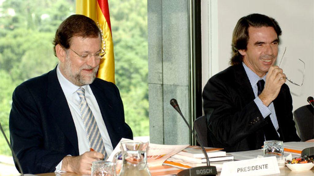 Rajoy y Aznar han escenificado un mejor entendimiento en la reunión semestral de FAES. FOTO: FAES