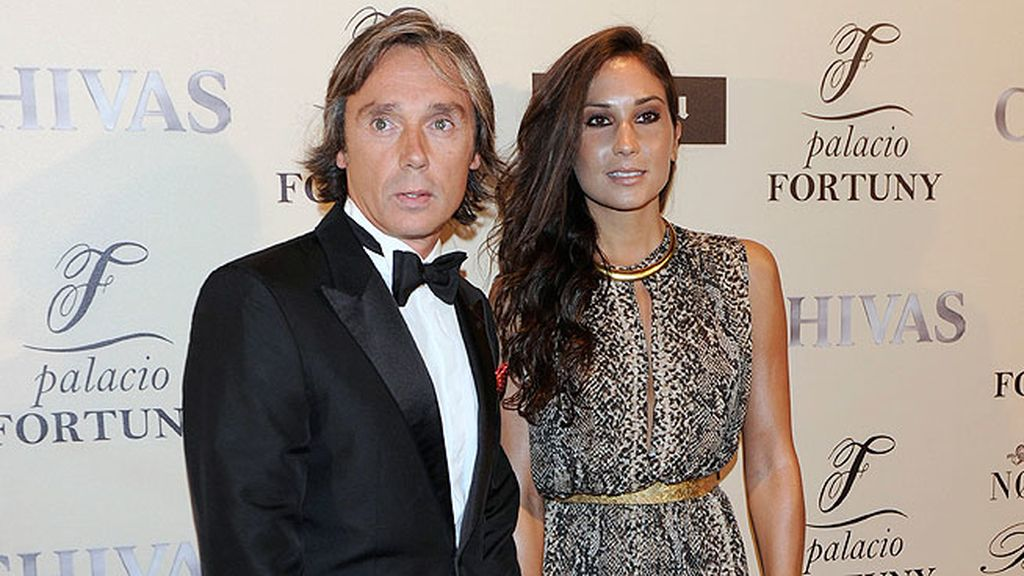 El ex piloto y actual empresario Luis Bayon acompañado de su mujer, Patricia Martínez