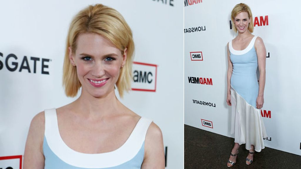 January Jones vestida de azul y blanco