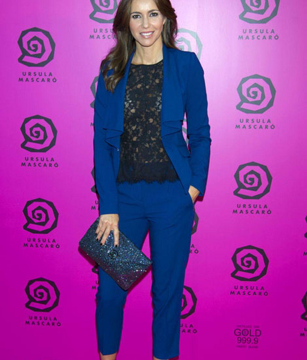 La presentadora Arancha del Sol, muy elegante con un traje azul