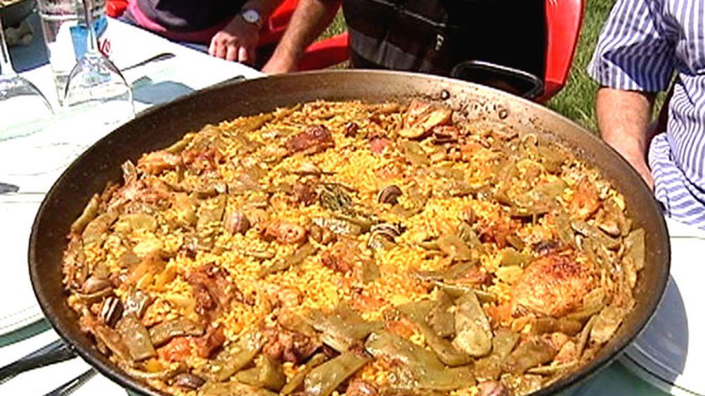 Una auténtica paella valenciana en La Albufera