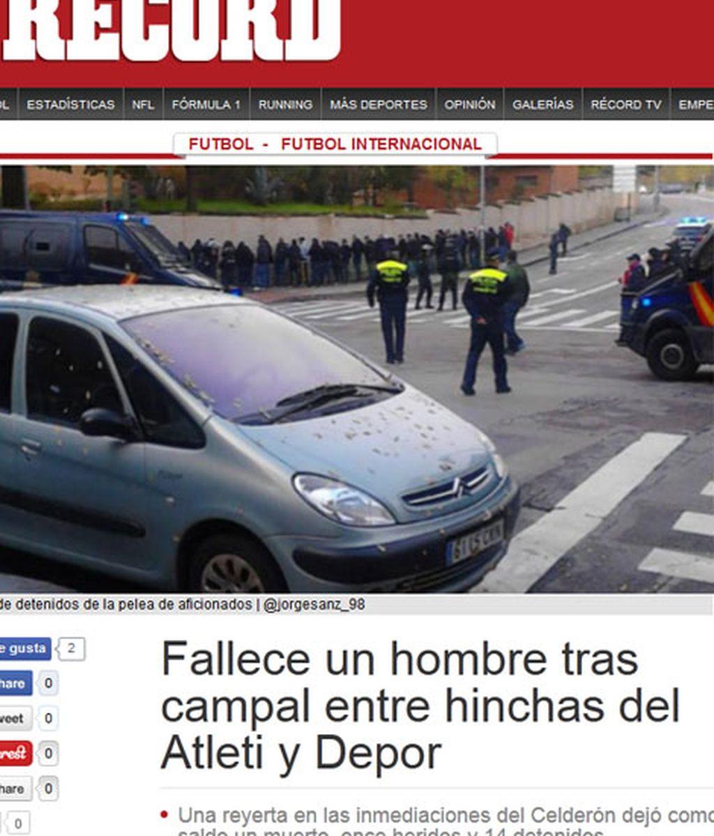 Los medios recogen lo sucedido en las inmendiaciones del Calderón