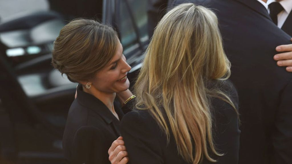 Doña Letizia le mostró su afecto a Máxima, la reina de Holanda