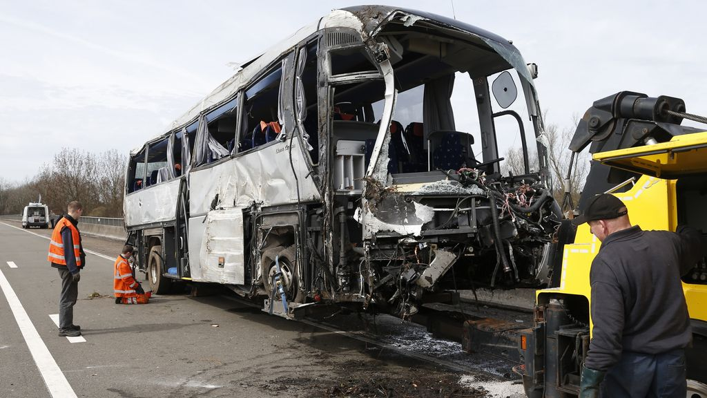 Cinco muertos en un accidente de autobús con jóvenes rusos a bordo