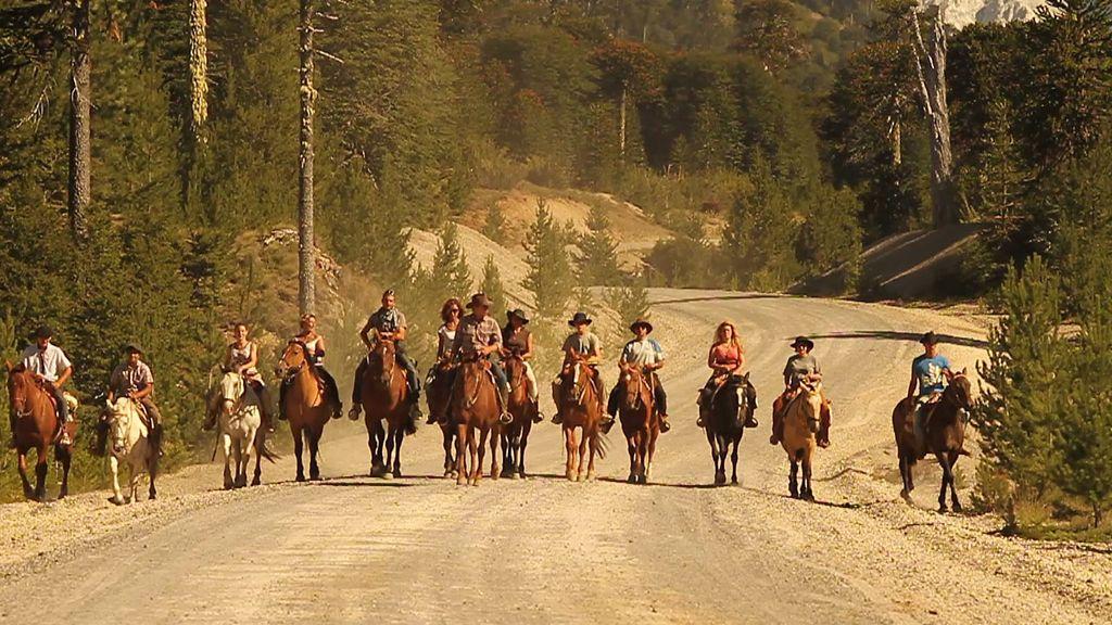 Los seis padres e hijos deberán recorrer a caballo 200 kilómetros