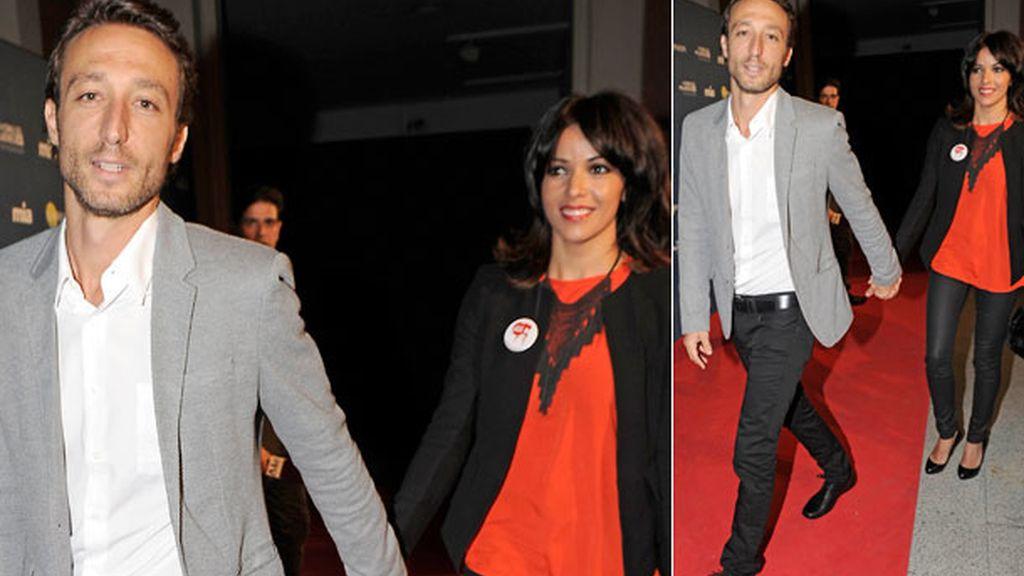Raquel y su novio llegaron de la mano a la entrega de los premios 'Cuida de ti'