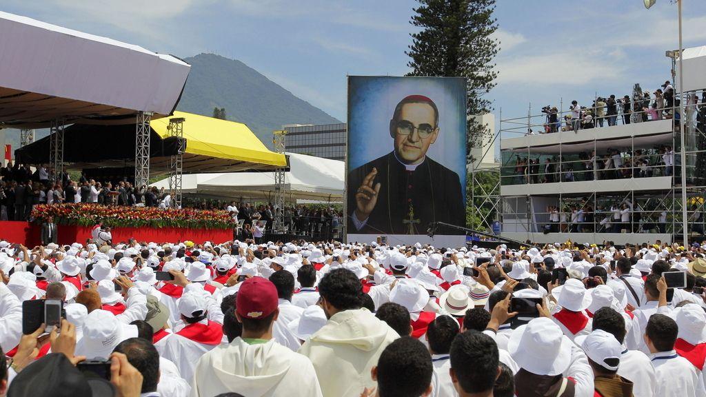 Más de 300.000 personas participan en el acto de beatificación de monseñor Romero