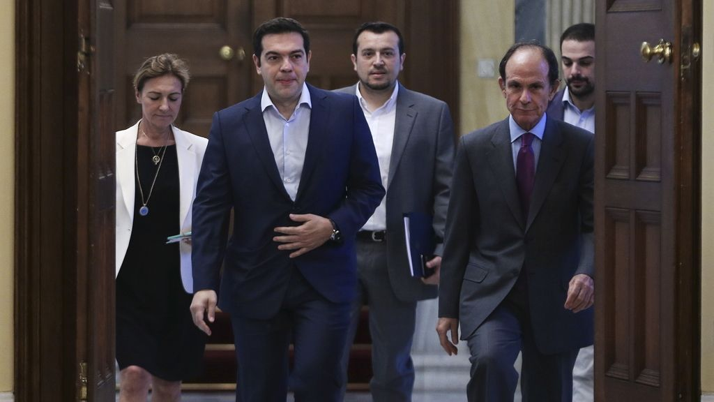 Tsipras con los líderes griegos