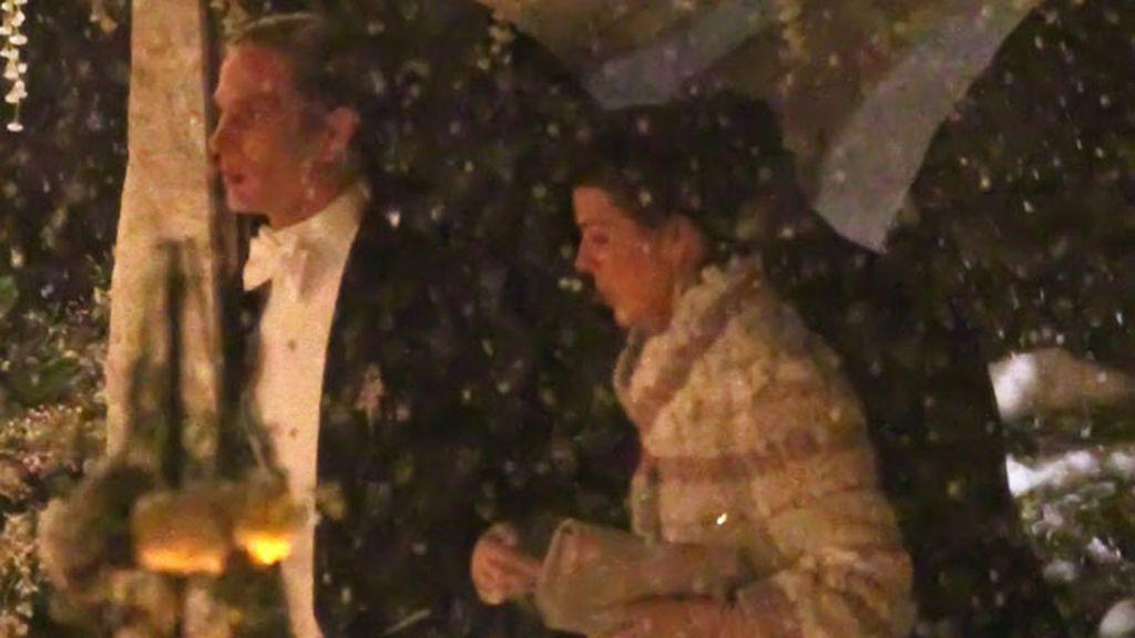 Andrea Casiraghi llegó a la iglesia del brazo de su madre,  la princesa Carolina