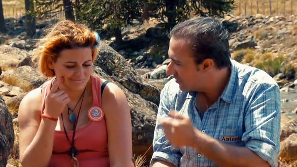 Antonio y Jenni, de los cariños a la mirada 'kill bill'