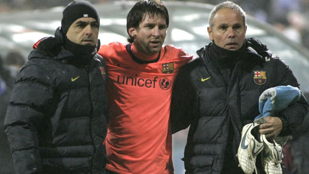 Messi, con cara de dolor