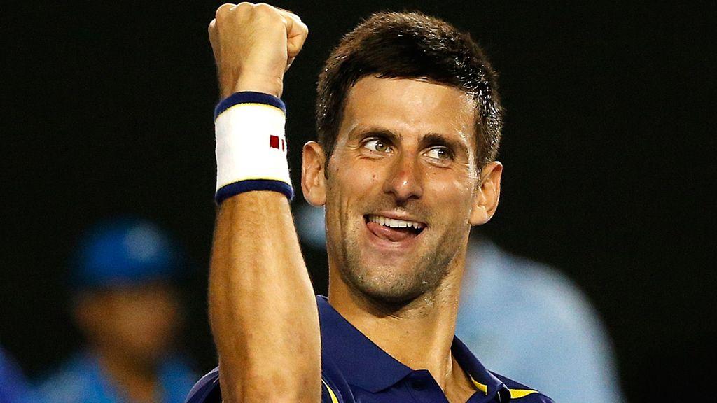 Djokovic se mete en su sexta final en Melbourne tras batir a Federer en cuatro sets