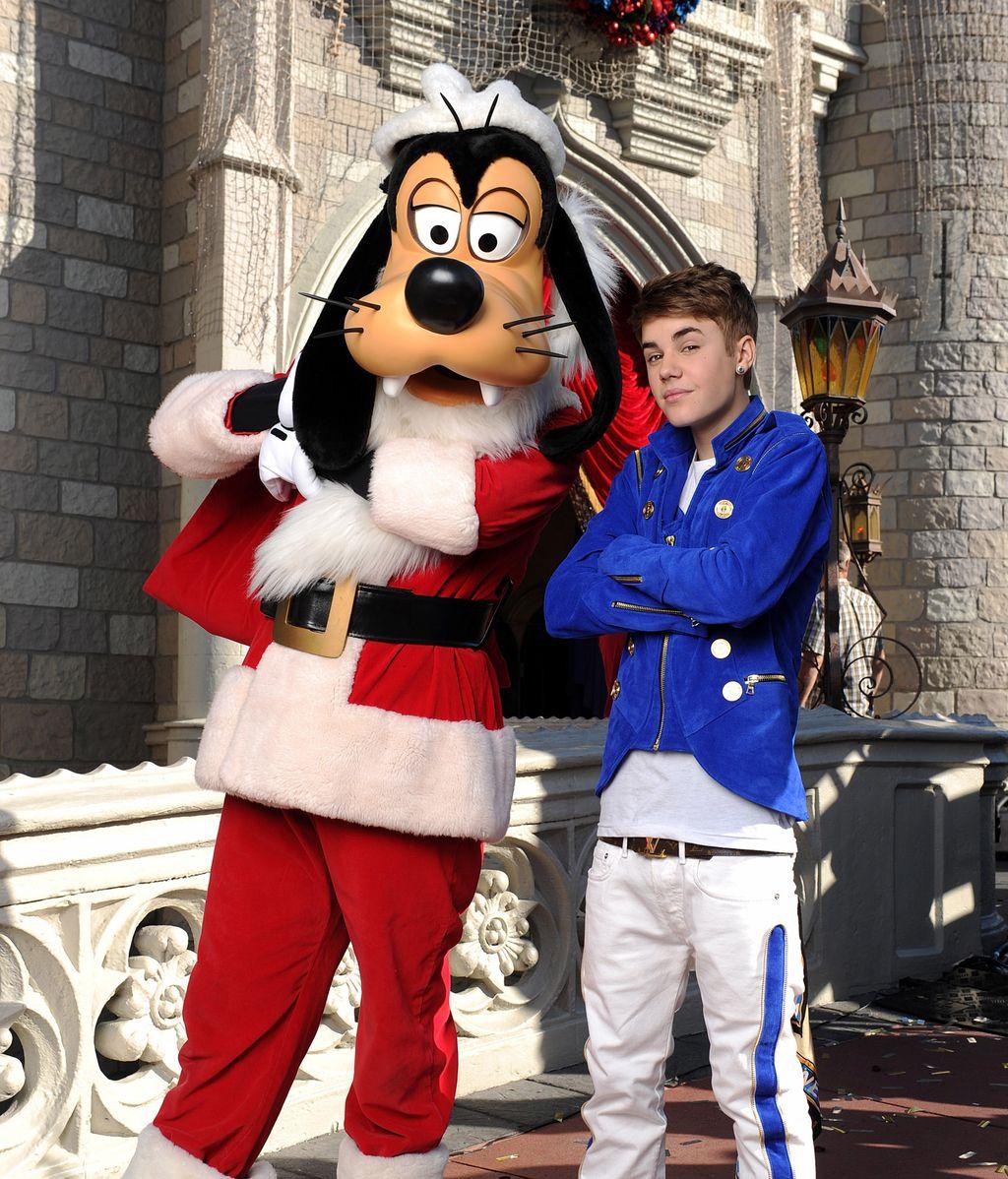 Justin Bieber y Goofy