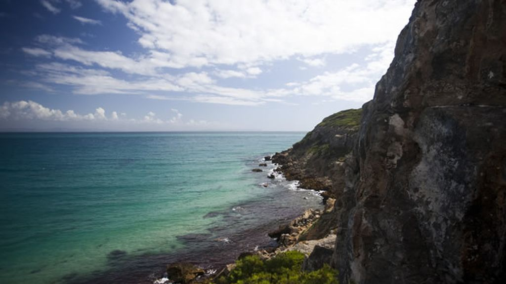 Muchachito Bombo Infierno se pasea por las playas de Tarifa