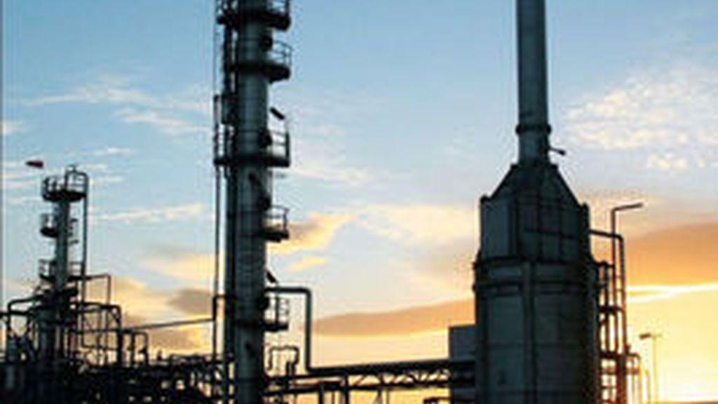 La compañía petrolífera asegura que la fuga ha sido contenida FOTO: AP
