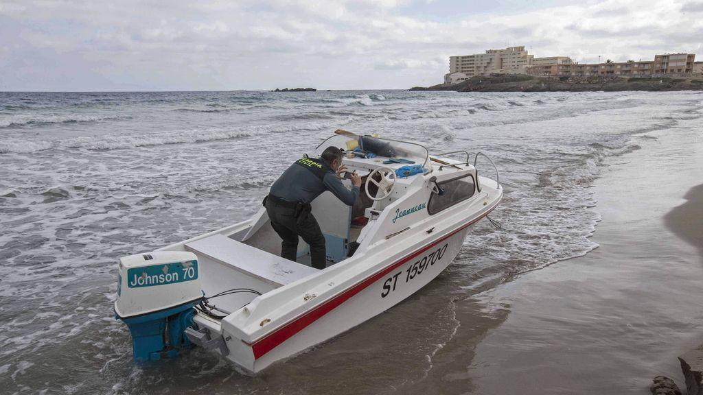 Buscan a los inmigrantes llegados en dos embarcaciones a La Manga del Mar Menor