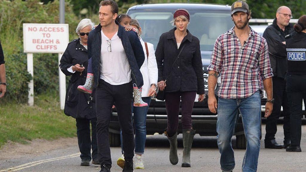 La cantante y el actor inglés han pasado unos días juntos en Inglaterra