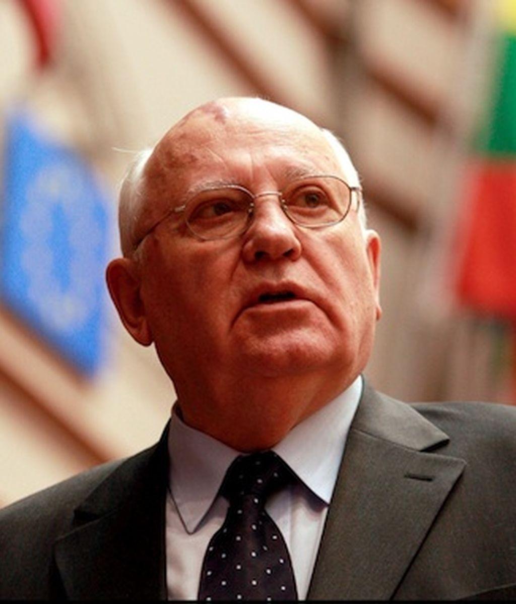 Gorbachov pide la dimisión de Putin