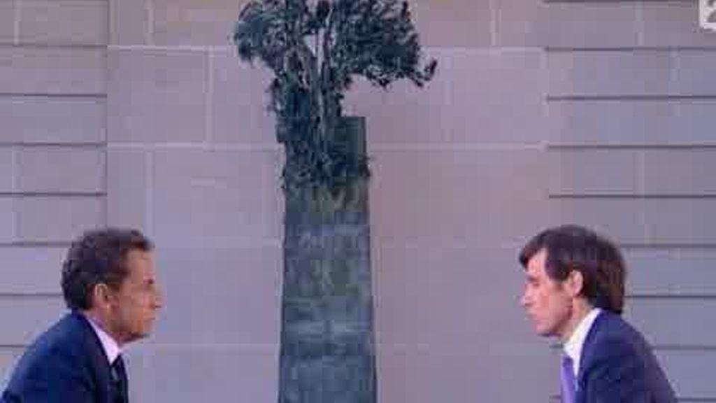 Sarkozy como una víctima en la televisión francesa