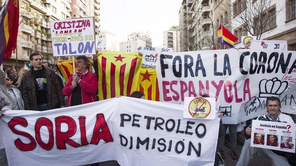 Manifestantes, en contra de las prospecciones petroleras