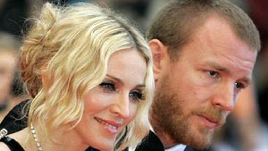 Madonna y Guy Ritchie en una imagen de archivo. Foto: AP