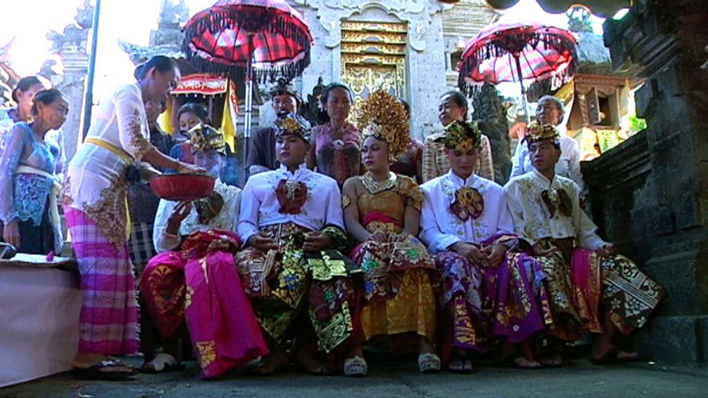 Las mejores fotos de una boda balinesa con 'Callejeros Viajeros'