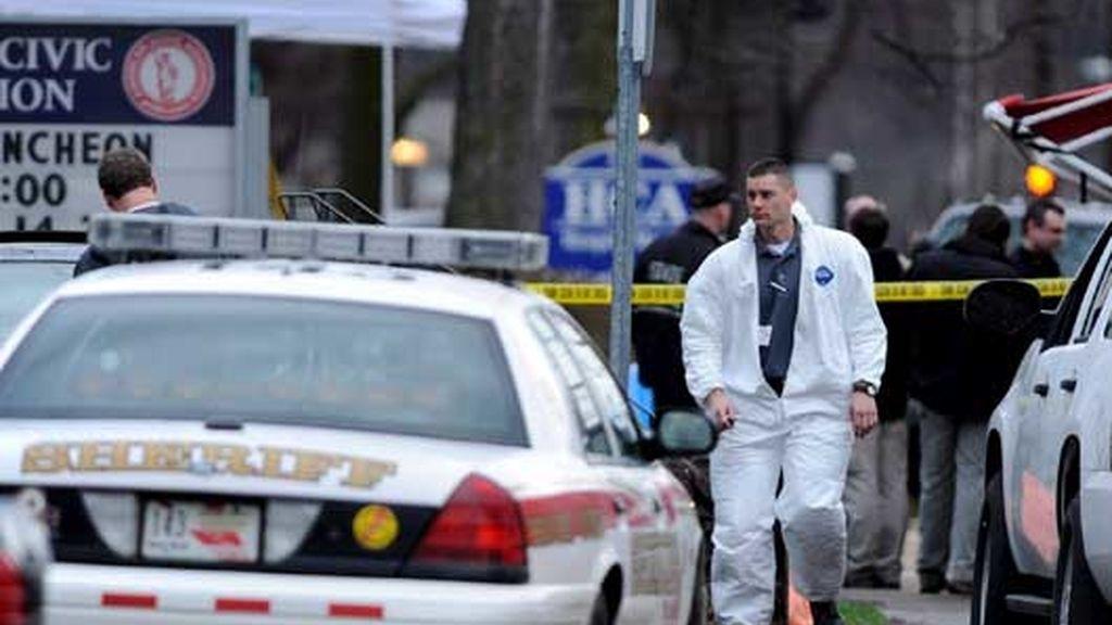 Un hombre armado mata a 13 personas y se suicida en EEUU