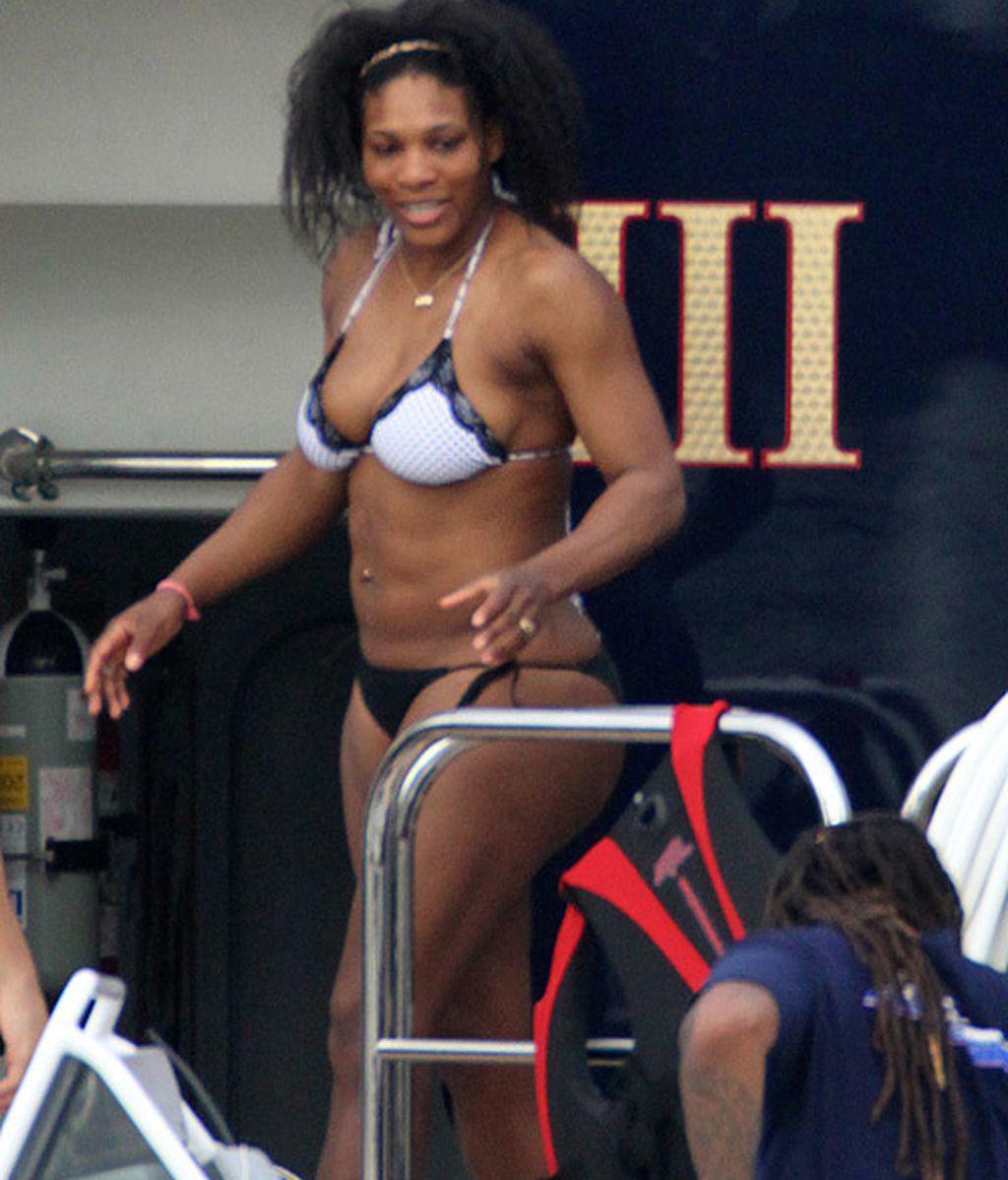 Serena Williams se recupera de sus lesiones con su pandilla en Florida