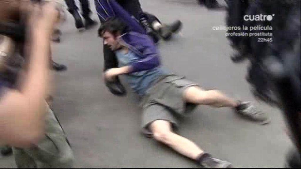 Los antidisturbios desalojan el 15-M