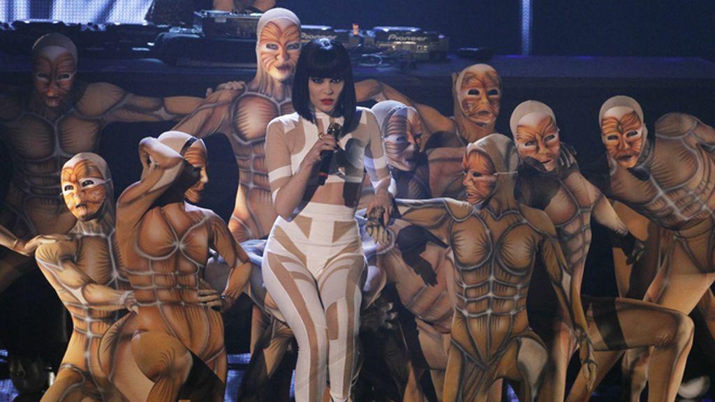 Irina Shayk y Bar Refaeli, majestuosas en los premios MTV