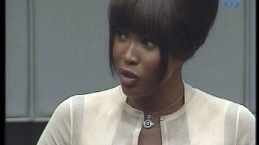 Naomi Campbell aceptó diamantes de sangre