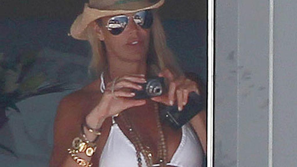 La modelo descansa en la isla de Ibiza