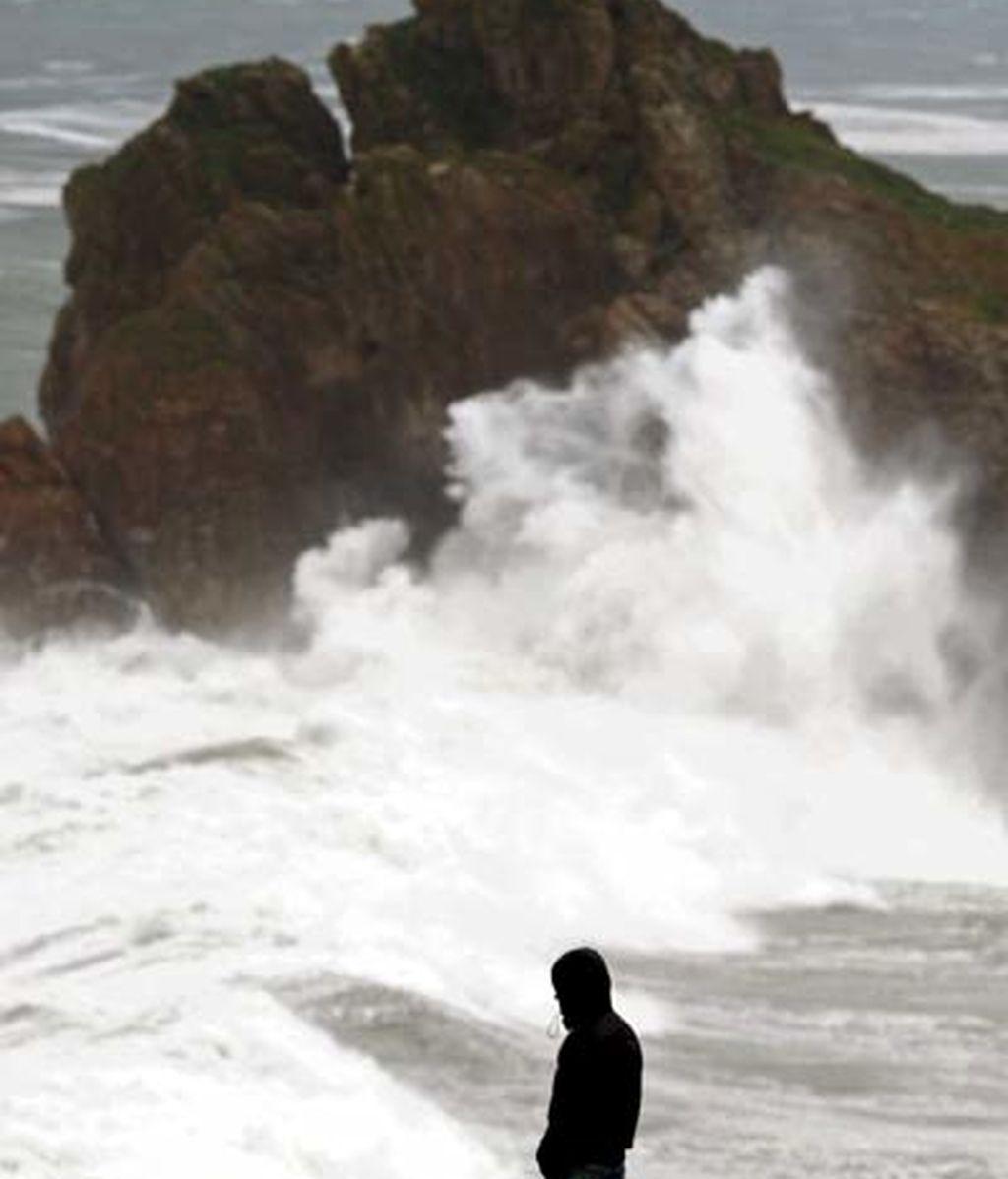Previstas para hoy olas de entre 7 y 8 metros