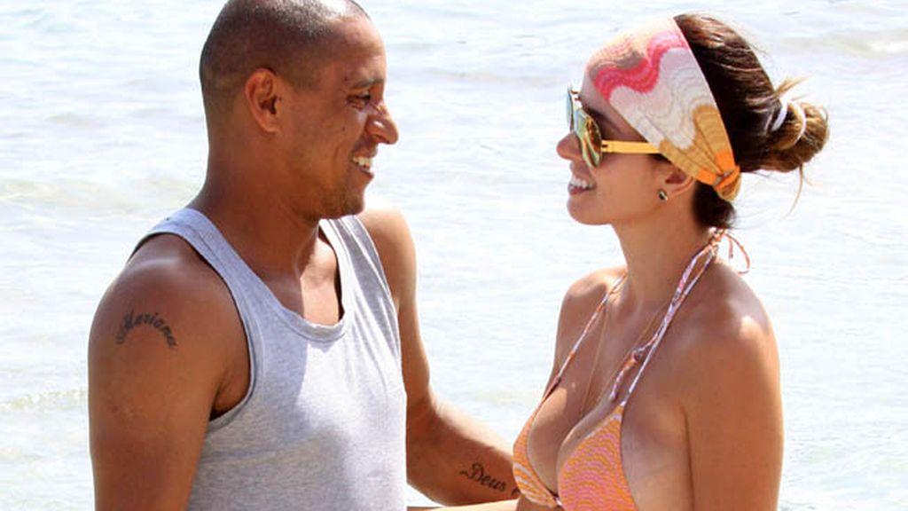 Roberto Carlos y su mujer