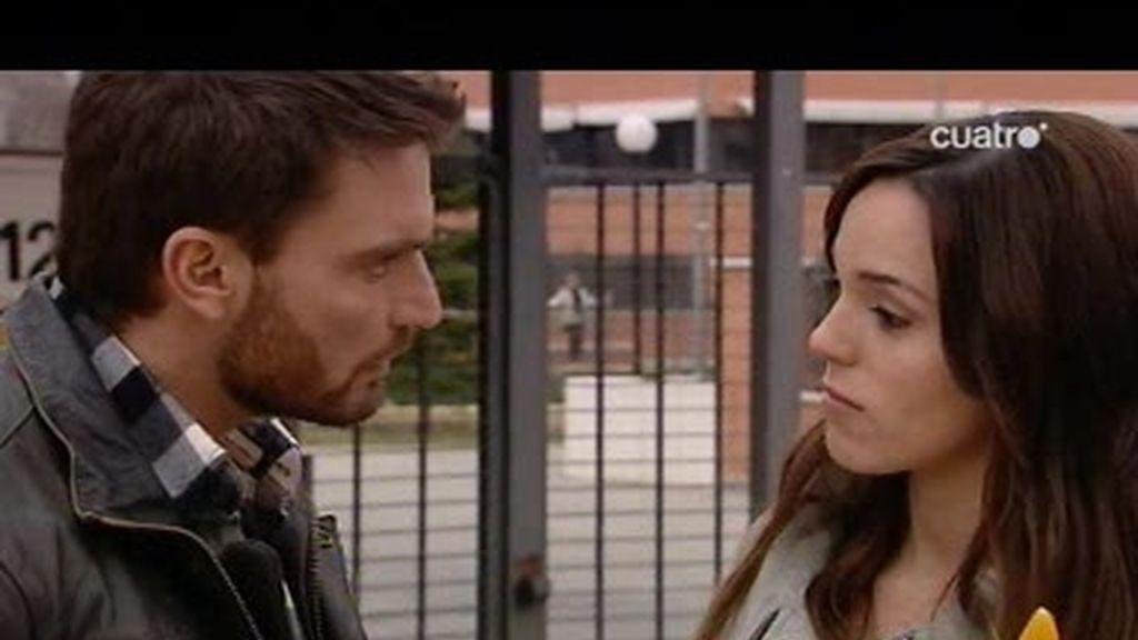 Leo le tiende a Alba una encerrona