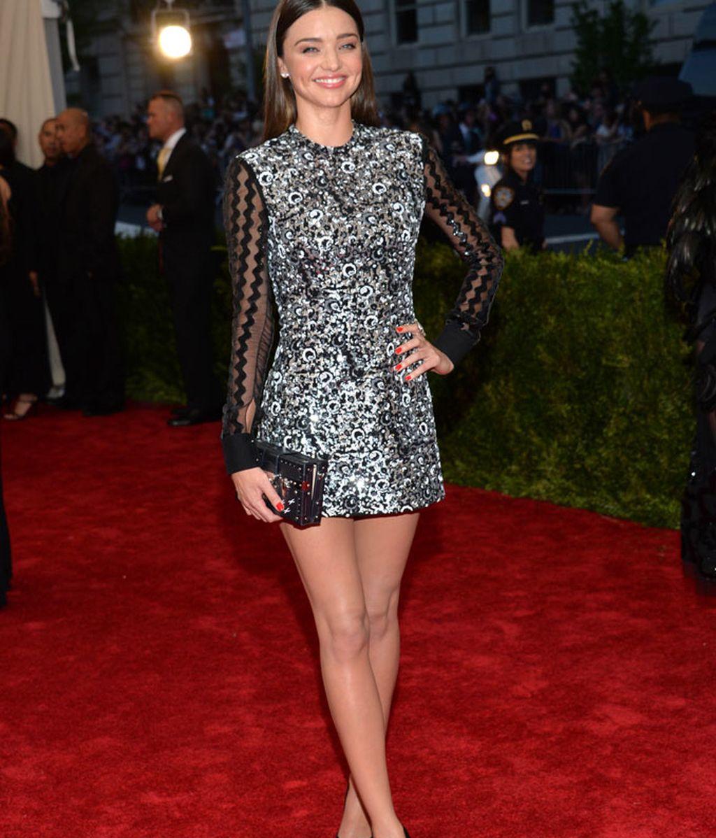 Miranda Kerr con vestido de Gucci