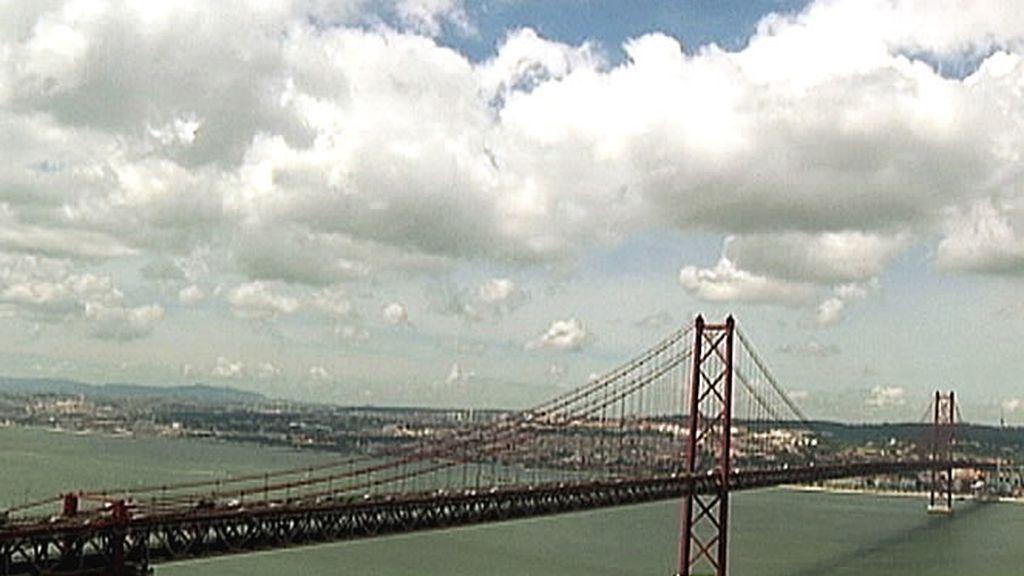 El mítico puente de Lisboa visto desde otra perspectiva