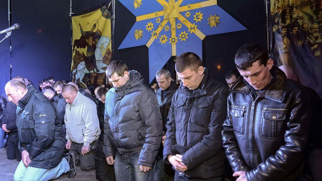 Los polícias ucranianos piden perdón al pueblo