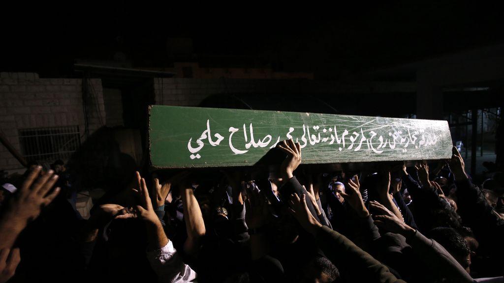 Funeral del joven palestino muerto a tiros por la policía israelí
