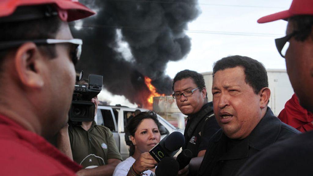 Hugo Chávez visita la refinería de Amuay, en Punto Fijo.