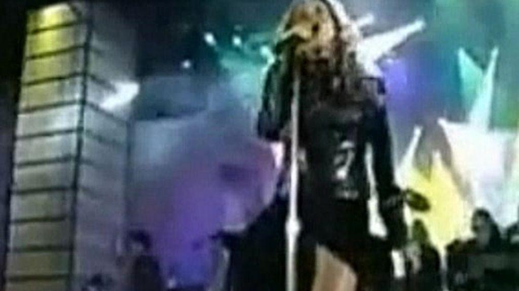 No solo Christina Aguilera hace el ridículo