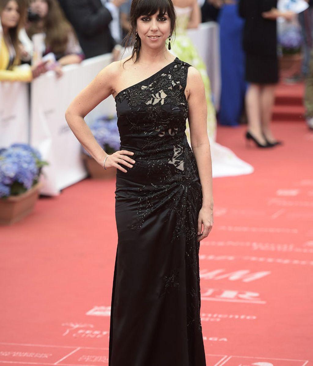 La actriz Carmen Ruiz, con vestido negro con bordados