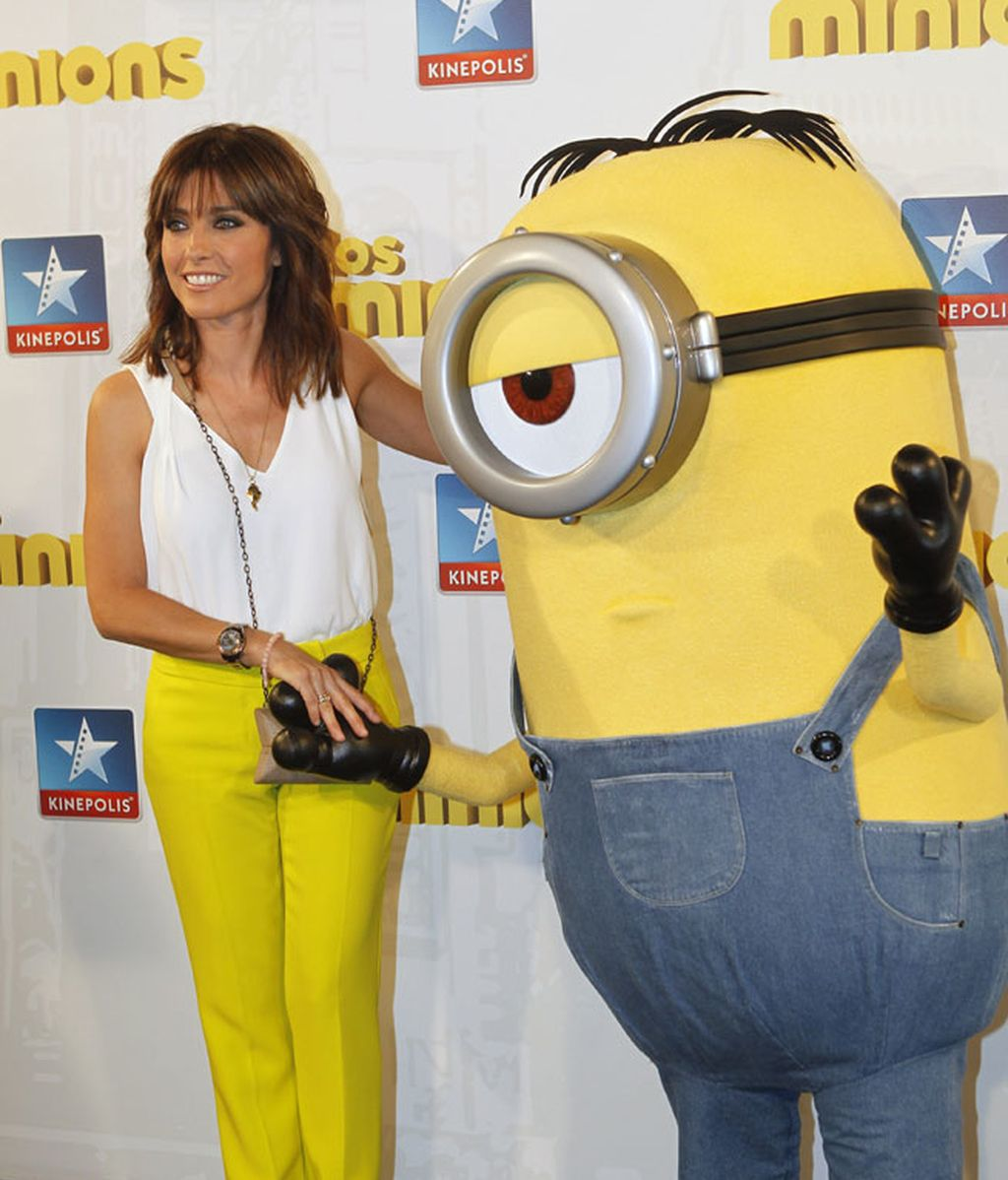 La presentadora Helena Resano vistió de 'amarillo minion'