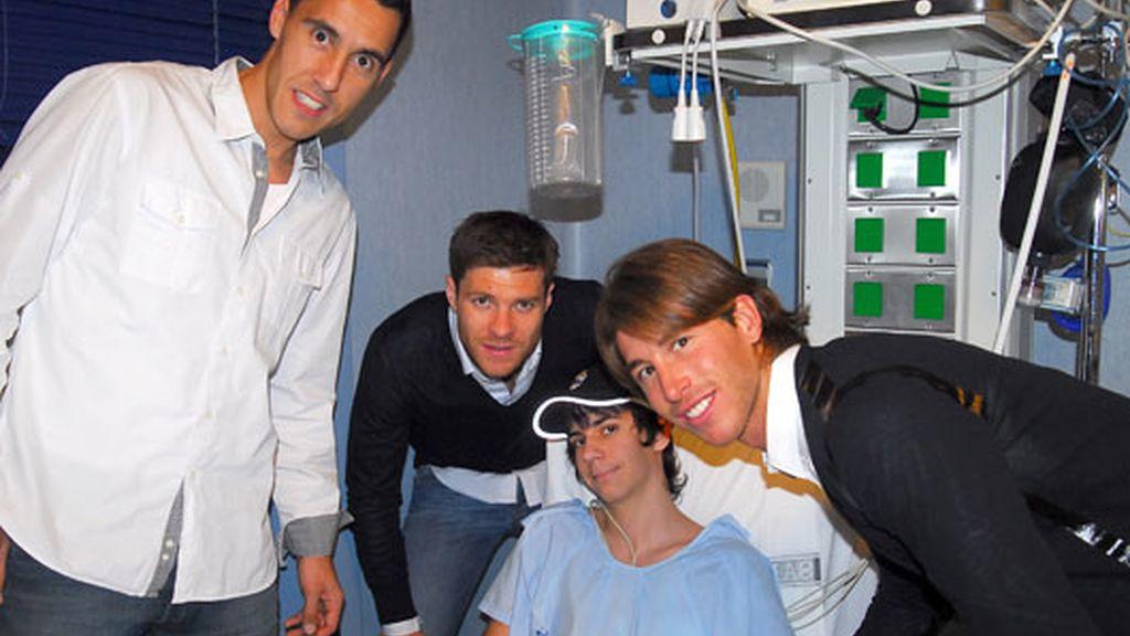 2010: El Ramos más solidario, con los niños del Hospital San Rafael