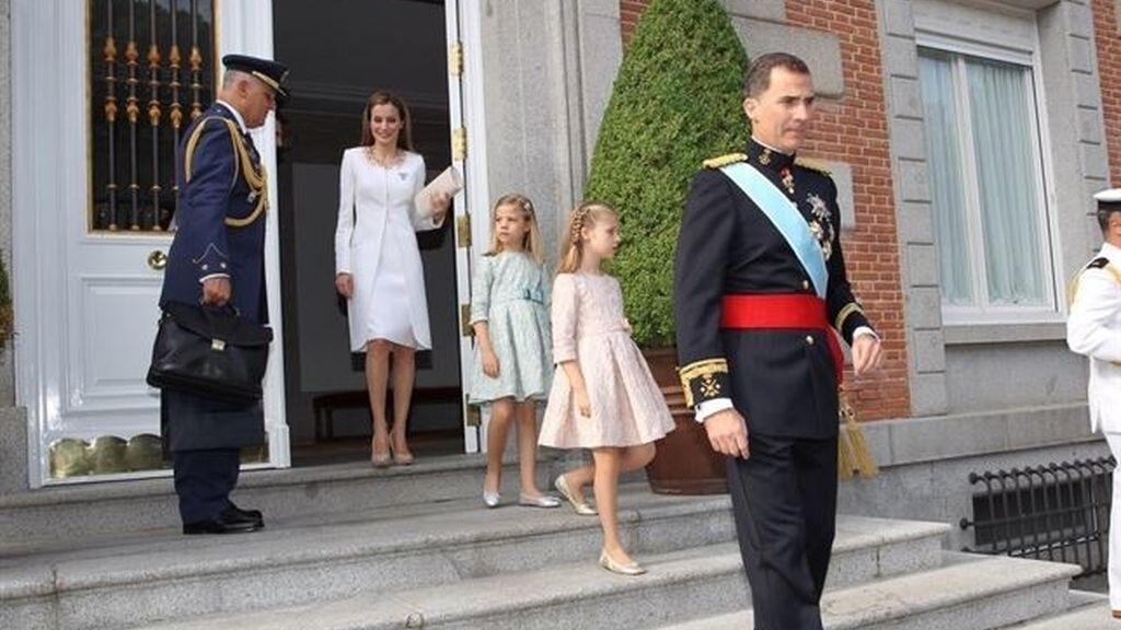 La familia real parte rumbo al Congreso