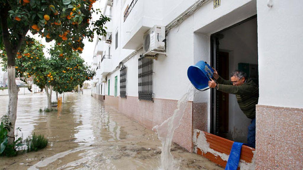 Desalojos en Lora del Río (Sevilla)