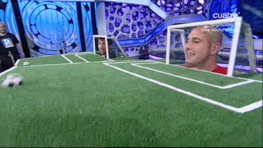 La tanda de penaltis de Pepe Reina