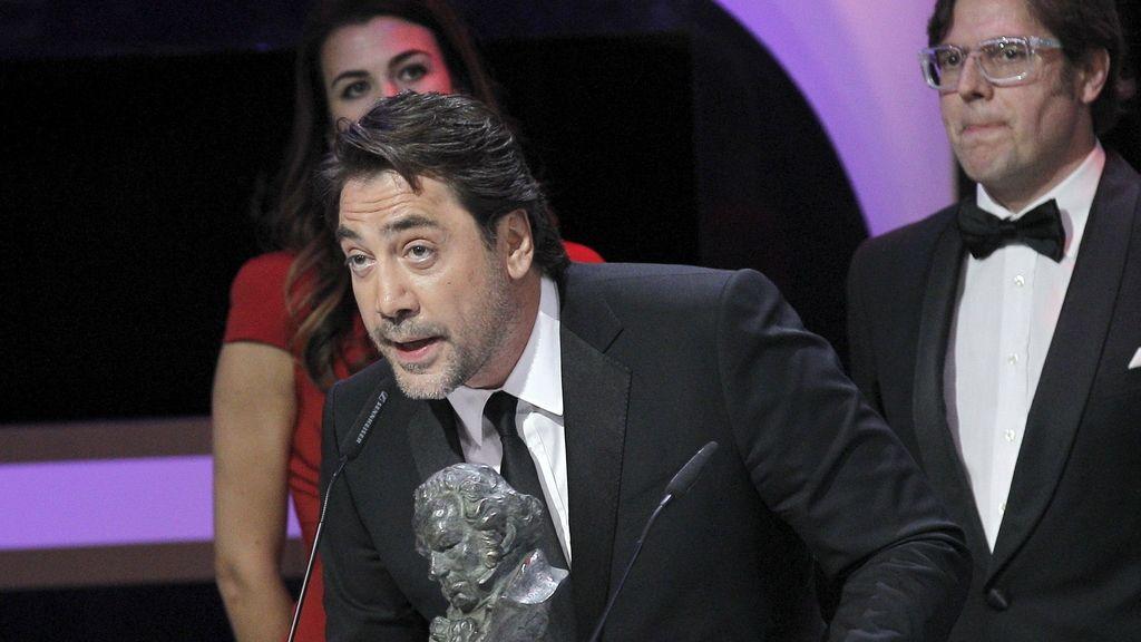 """Javier Bardem agradece el Goya a la mejor película documental que ha recibido por su trabajo de productor en """"Hijos de las nubes, la última colonia"""""""