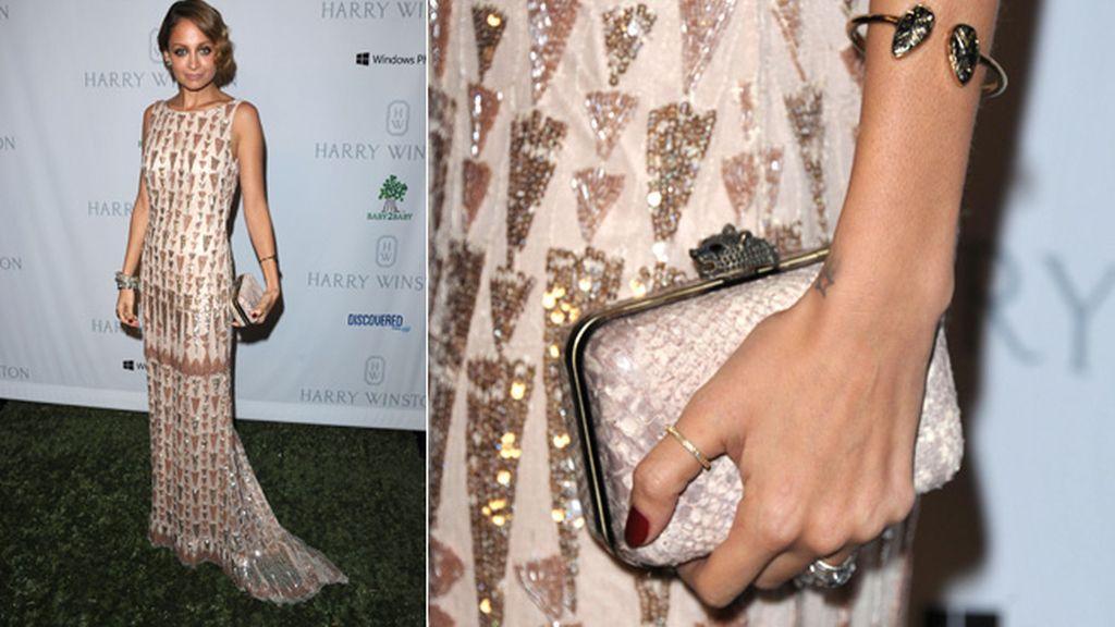 Nicole Richie, con un vestido de pailettes de Lorena Sarbu