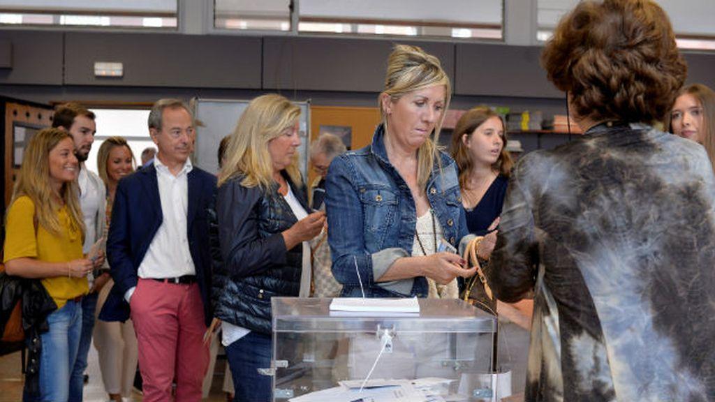 urna, votación, voto, mesa electoral en Bilbao